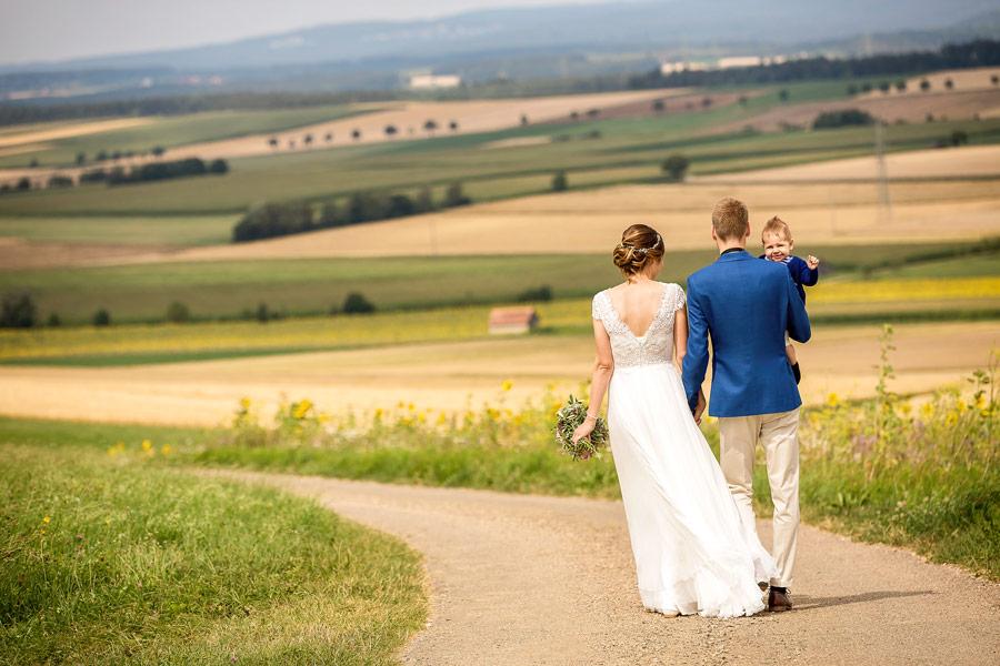 Hochzeitsfotograf Konstanz Bodensee - dynamisches Hochzeitsfoto