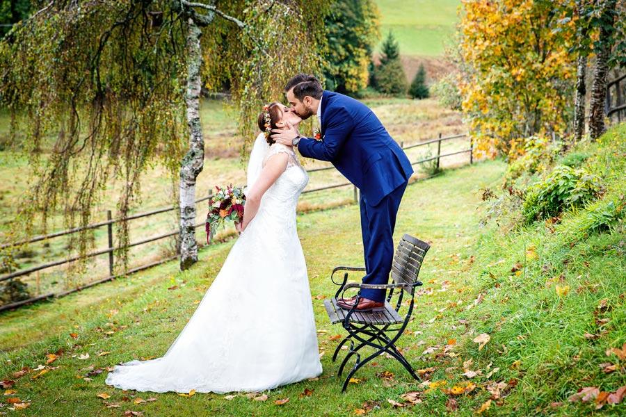 Hochzeitsfotograf Konstanz Bodensee - Fotoshooting Kuss