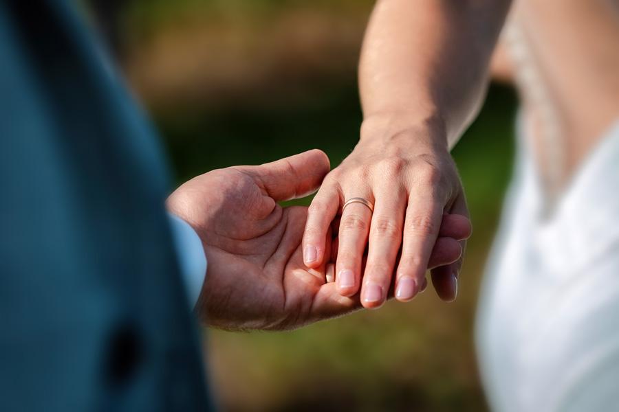 Hochzeitsfoto Konstanz - Hände und Ehering