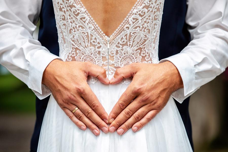 Hochzeitsfoto Konstanz - Hände in Herzform